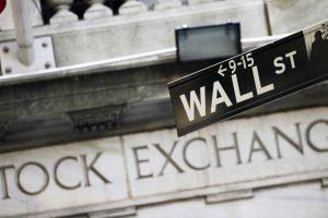 Как да управляваме валутен риск при американски акции