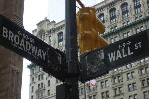 Корекцията на Уолстрийт не променя нищо на пазарите