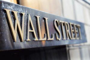 На какви прогнози разчитат инвеститорите в американски и европейски акции