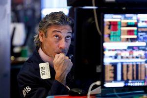 Инвеститорите в акции разчитат на централните банки за една още по-добра година