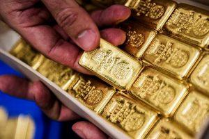 Мистерията на поевтиняващото злато
